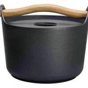【ルクルーゼに飽きたら】60年代北欧デザインのホーロー鍋『イッタラ サルパネヴァ』