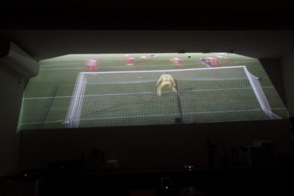 SONY LSPX-P1はサッカー観戦が大迫力!