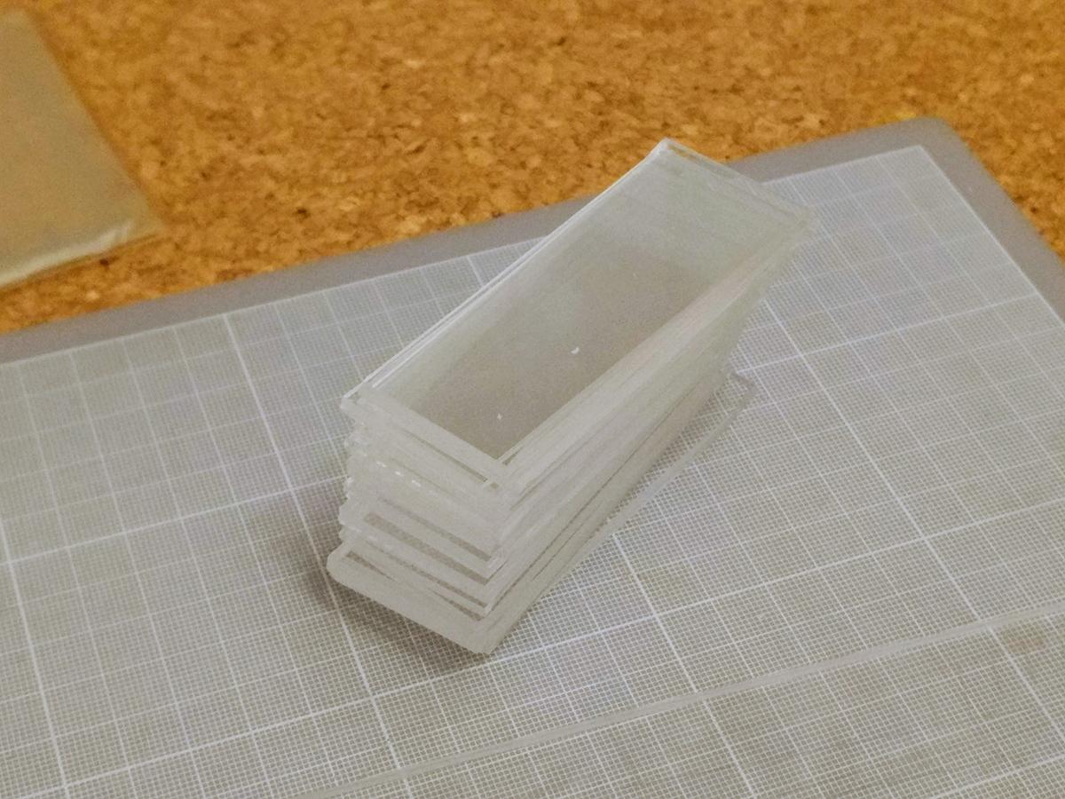 トミカの自作ケースをアクリル板をカットでして製作 (12)