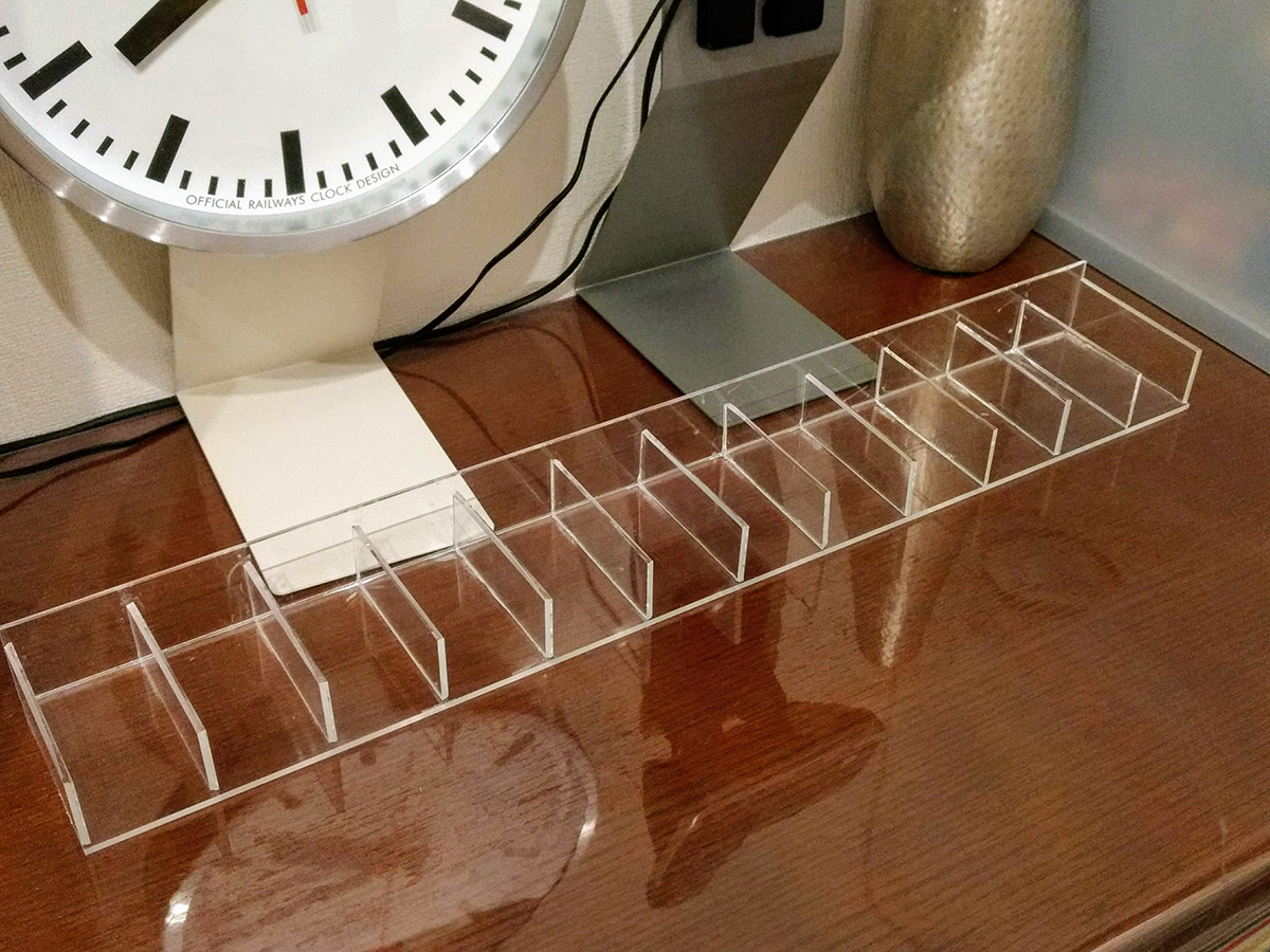 トミカの自作ケースをアクリル板をカットでして製作 (17)